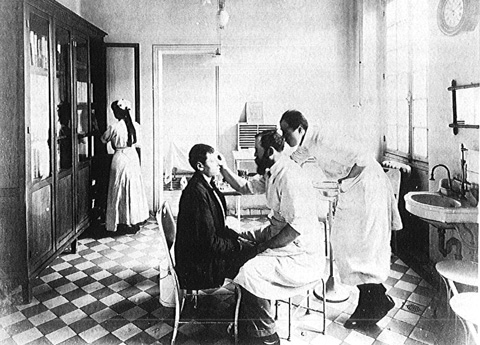 Consultation d'ophtalmologie 1920